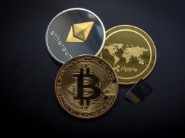 Bitcoin, Ethereum, Ripple as golden coins.